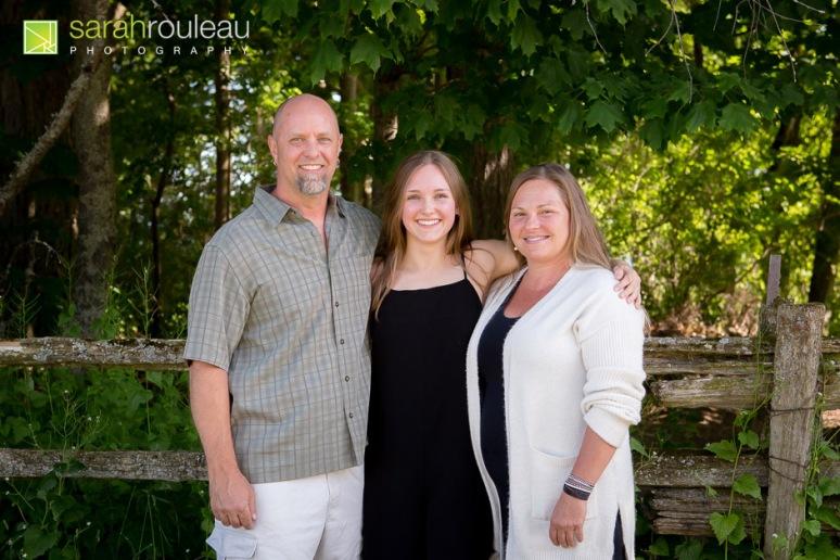 kingston family photographer - sarah rouleau photography - Abby's Grad
